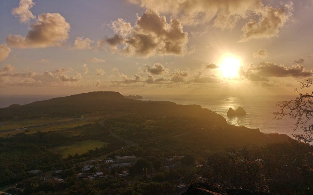 Noronha Trilha do Piquinho Sonnenuntergang